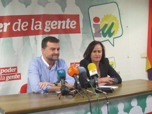 Maíllo, junto a Rosalía Martín, en rueda de prensa en Almería
