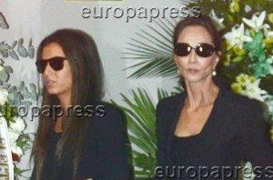 Foto: Isabel Preysler y Ana Boyer, rotas de dolor en el adiós a Miguel Boyer (EUROPA PRESS)