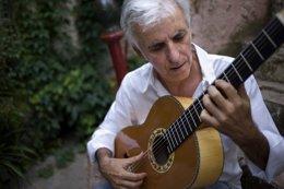 Foto: Kiko Veneno actúa este viernes en Las Palmas de Gran Canaria (CEDIDO POR LA ULPGC)