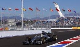 Foto: Hamilton se acerca al título y Alonso acaba sexto (LASZLO BALOGH / REUTERS)