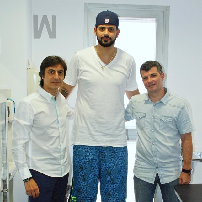 El jugador del equipo de la NBA Boston Celtics, Vitor ... Vitor Faverani Celtics