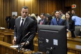 """Foto: La defensa cree que Pistorius sería """"más vulnerable"""" en prisión (REUTERS)"""