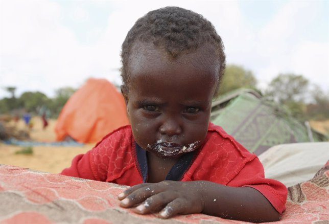 Un niño en un campod e refugiados de Somalia
