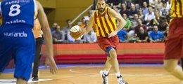 Foto: Navarro sufre una lesión de grado 1 en el bíceps femoral del muslo derecho (V. SALGADO - FCB)