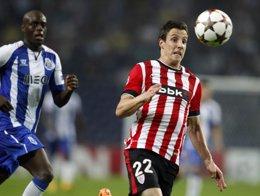Foto: El Oporto obliga al Athletic a un milagro (MIGUEL VIDAL / REUTERS)