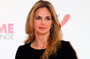 Foto: Genoveva Casanova aprovecha el tirón de su amistad con Michavila (EUROPA PRESS)