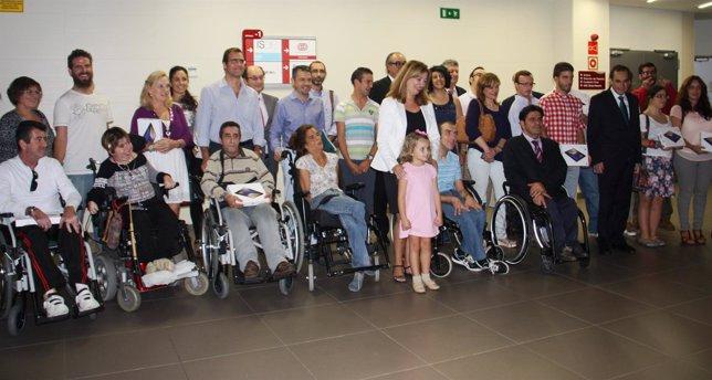 Entrega de 90 dispositivos móviles a federaciones de discapacitados.