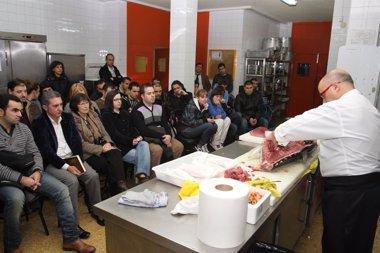 Foto: El chef del 'Kabuki' hará una demostración de corte de pescado del Cantábrico (AYTO )