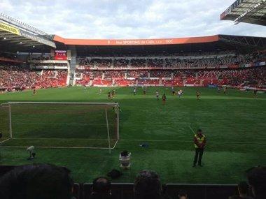 Foto: Fiscalía pide 2 anos e 6 meses de prisión para un afeccionado do Deportivo por agredir un do Sporting (AVSPA)