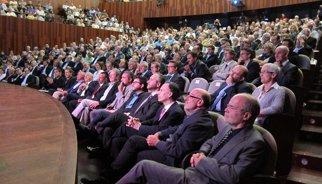 Consulta.- 600 petits empresaris es reuneixen en l'acte pro dret a decidir de Creiem en Catalunya