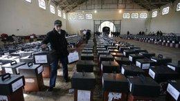 Foto: La elección del nuevo presidente de Uruguay se definirá en segunda vuelta, según nuevos sondeos (Reuters )
