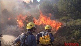 Estabilitzat l'incendi de Roses (Girona) després de cremar 35 hectàrees