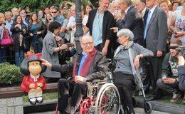 """Foto: Inaugurada oficialmente la escultura de Mafalda para """"tomar el relevo"""" de Woody Allen como icono turístico (EUROPA PRESS)"""