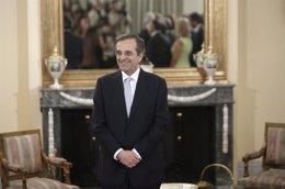 """Foto: Samaras dice que Grecia negocia una salida """"prudente"""" del rescate (JOHN KOLESIDIS / REUTERS)"""