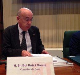 Foto: Un técnico que identificó el origen del mayor brote de legionela en España trabaja en el caso de Sabadell (EUROPA PRESS)