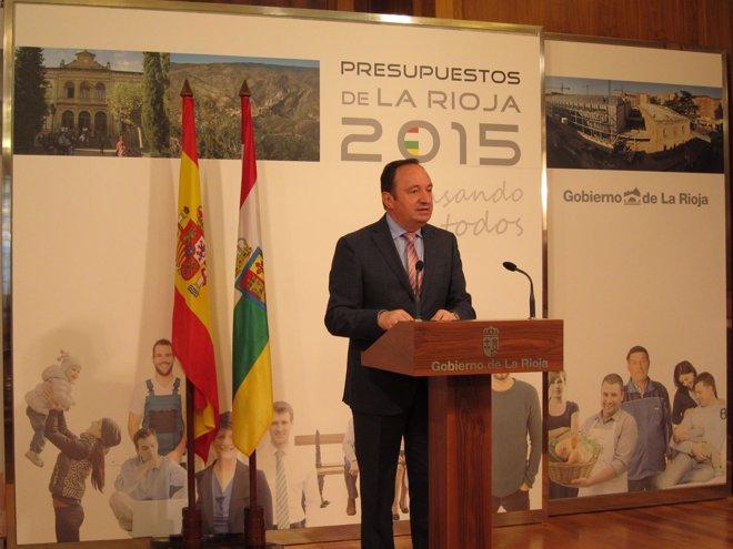 """Foto: Sanz califica de """"coherentes, sociales, ambiciosos e inversores"""" los Presupuestos de La Rioja para 2015 (EUROPA PRESS)"""