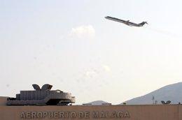 Foto: Las aerolíneas programan para este invierno un 3,4% más de despegues en el aeropuerto de Málaga (EUROPA PRESS)