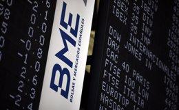 Foto: Economía.- El Ibex 35 cierra en positivo (+0,05%), hasta los 10.339 enteros, y acumula una subida semanal del 3,8% (EUROPA PRESS)