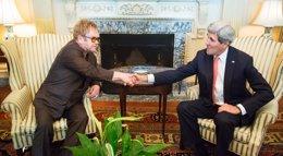 Foto: John Kerry y Elton John se unen contra el sida con 7 millones de dólares (JONATHAN ERNST / REUTERS)