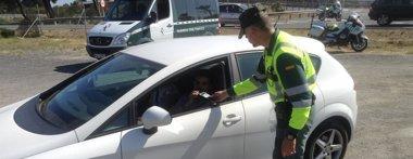 Foto: El Supremo absuelve a un Guardia Civil que multaba fuera de servicio a los clientes de un pub bajo su vivienda (EUROPA PRESS/DGT)