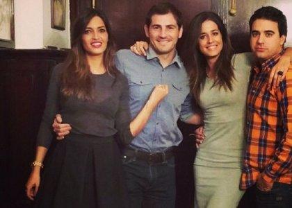Foto: Sara Carbonero celebra la victoria del Madrid con su compañera Isabel Jiménez
