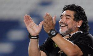 Foto: Maradona, completamente borracho, pega a su novia... ¡ Y aparece el vídeo! (REUTERS)