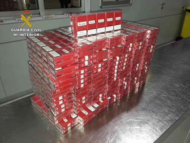 Tabaco decomisado en el aeropuerto de Almería