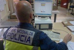 Foto: Detenido por estafar a extranjeros vendiendo falsos contratos de trabajo (EUROPA PRESS/POLICÍA NACIONAL)