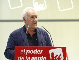 Foto: Cayo Lara dice no temer el ascenso de Podemos en el CIS porque su objetivo también es acabar con el bipartidismo (EUROPA PRESS)
