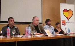 """Foto: Movimiento 12O pide reunirse con el Parlament en nombre del autor del """"saludo fascista"""" (EUROPA PRESS)"""