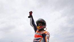 Foto: Marc supera a Doohan y completa el fin de semana perfecto para los Márquez (REUTERS)