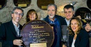 Foto: El Gran Wyoming y los hermanos Trueba unidos por el vino (EUROPAPRESS )