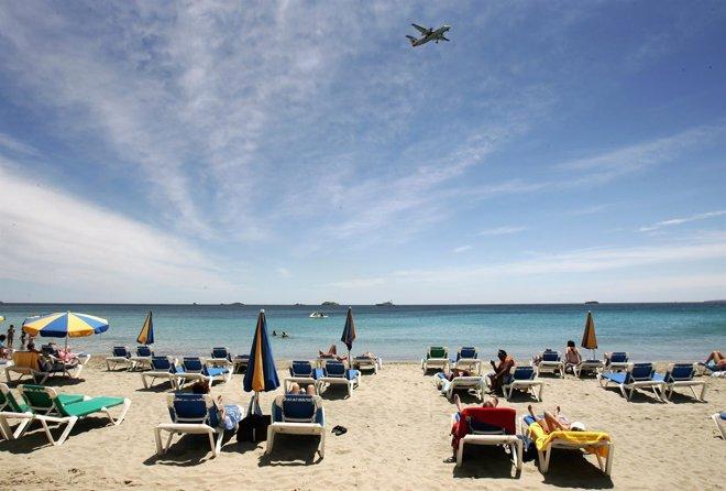 Foto: España recibió 58,3 millones de turistas internacionales hasta octubre, un 7,5% más (CHRIS JACKSON)
