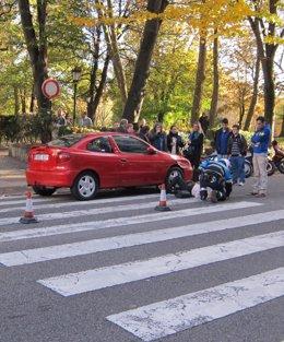 Foto: Una mujer resulta herida tras ser arrollada por un coche en Oviedo (EUROPA PRESS)