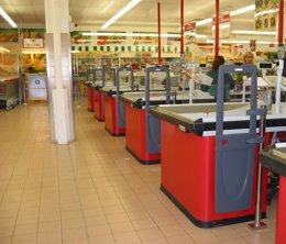 """Foto: Día defiende el cierre de 21 tiendas de El Árbol porque tenían cuentas """"insostenibles"""" (DIA)"""