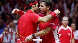 Foto: Suiza, a un paso de la Ensaladera tras imponerse a Francia en el dobles (REUTERS)