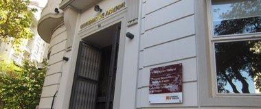 Foto: Las oficinas de gestión tributaria del Gobierno comienzan a prestar servicio en la calle Costa (DGA)