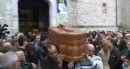 "Foto: Fuensalida despide con ""dolor"" a las tres niñas fallecidas (EUROPA PRESS)"