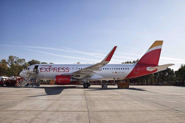 Foto: Iberia Express, primera aerolínea en modificar sus aviones para instalar 'sharklets' en España