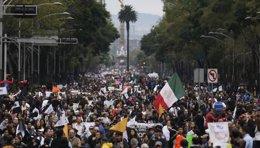 Foto: México concederá becas a los familiares de los 'normalistas' desaparecidos (REUTERS)