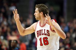 Foto: Pau Gasol roza el 'doble-doble' en su retorno (USA TODAY SPORTS / REUTERS)