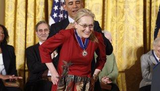 Barack Obama condecora Meryl Streep, Stevie Wonder i Isabel Allende
