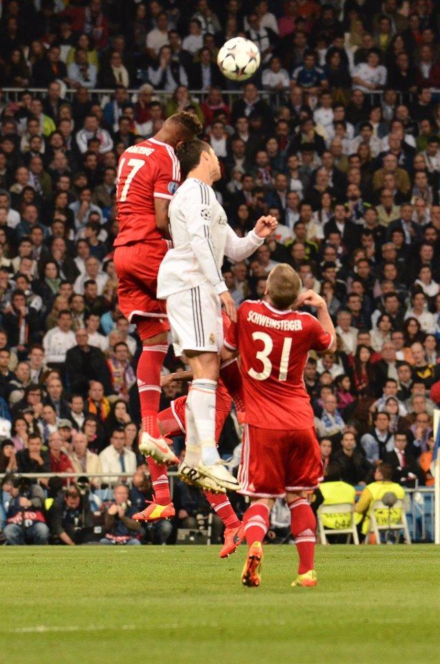 Foto: Bayern y Real Madrid copan el 'Equipo del año' de la UEFA