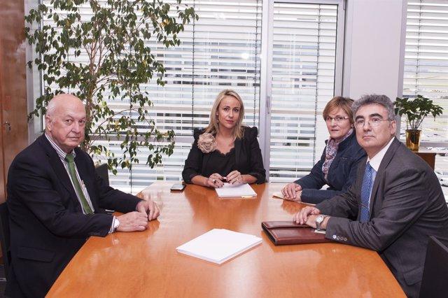 Foto: Banco Sabadell se compromete a estudiar mecanismos de financiación a largo plazo para las explotaciones lácteas