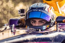 Foto: Carlos Sainz acaba quinto y McLaren solo rueda tres vueltas (RED BULL RACING)