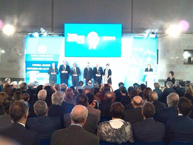 """Foto: El lehendakari destaca que la economía vasca """"está virando hacia el crecimiento"""""""