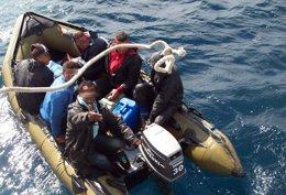 Foto: Rescatados 25 subsharianos en aguas del Estrecho (EUROPA PRESS/ARCHIVO/CNP)