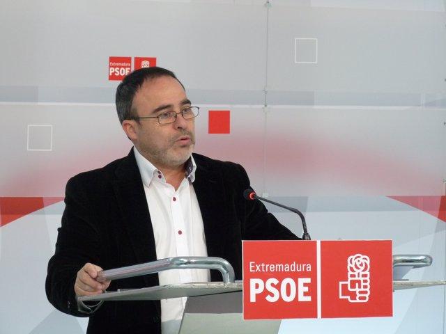 """Foto: PSOE pide al Gobierno extremeño que """"deje de hostigar"""" a los guías de turismo local y reclama consenso en su regulación"""