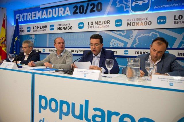 """Foto: La Junta Directiva Regional del PP de Extremadura reafirma que Monago va a """"arreglar la vida política con más reformas"""""""