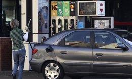 Foto: El IPC interanual cae tres décimas en noviembre, hasta el -0,4%, por las gasolinas y la luz (EUROPA PRESS)